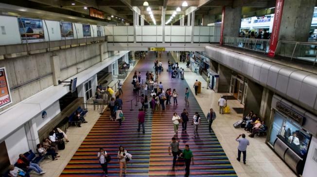 Tres vuelos habilitó línea Plus Ultra a España