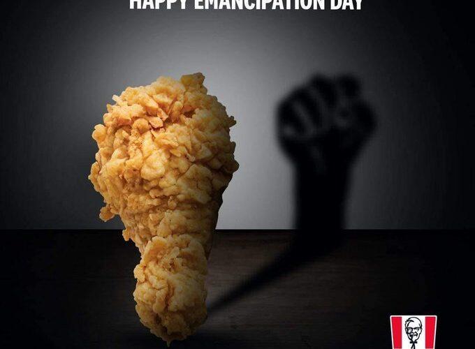 """KFC eliminó anuncio que mostraba una pata de pollo """"racista"""""""