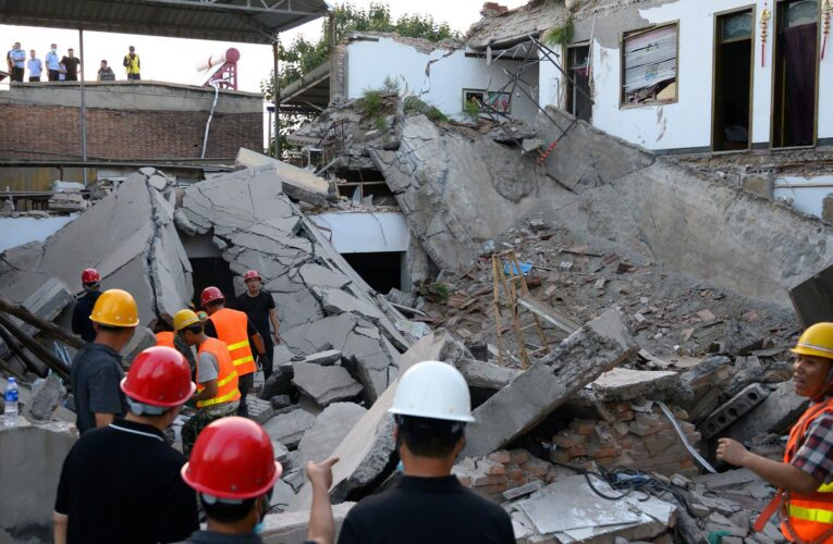 Derrumbe de restaurante deja 29 muertos en China