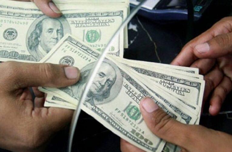 Pagar en dólares es toda una calamidad