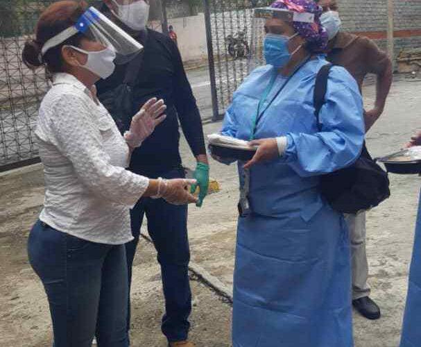 Fundación Manos para Vargas donó un almuerzo al personal del Periférico