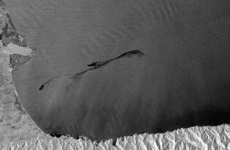 Derrame petrolero llega a las costas de Falcón