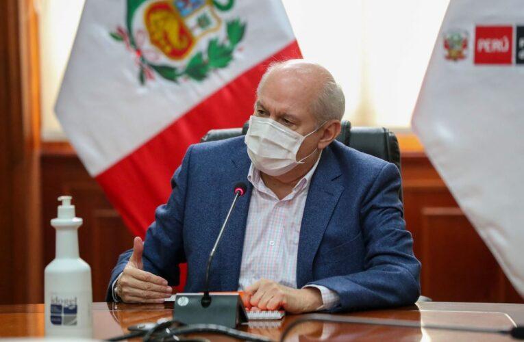 """Perú revisará 27 mil muertes """"en el contexto de la pandemia"""""""