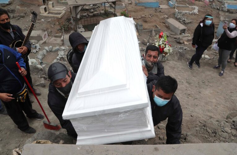 Perú se convierte en el país con mayor tasa de mortalidad por Covid