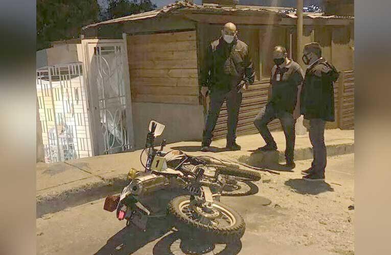 Dos abatidos en la carretera vieja tras robarle la moto a un Cicpc