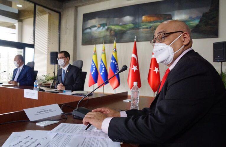 Venezuela y Turquía firman acuerdo para construir un hospital