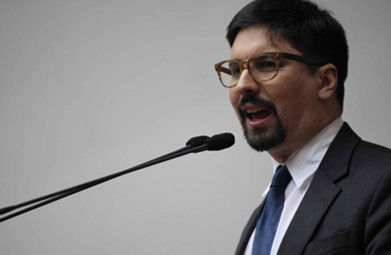 Freddy Guevara salió de la Embajada de Chile luego de 3 años refugiado