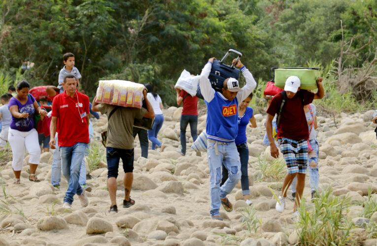Venezolanos regresan a Colombia tras fin de la cuarentena