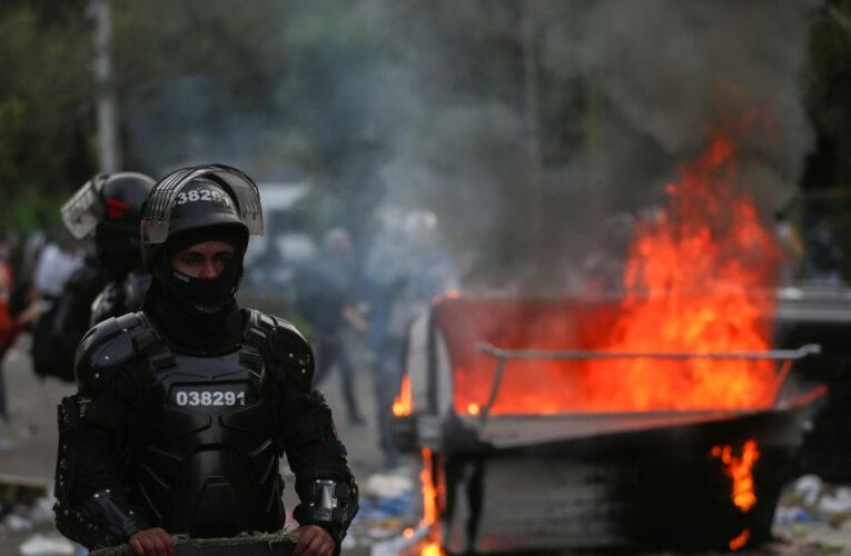 Colombia: 7 muertos en protestas por la muerte de un abogado a manos de policías