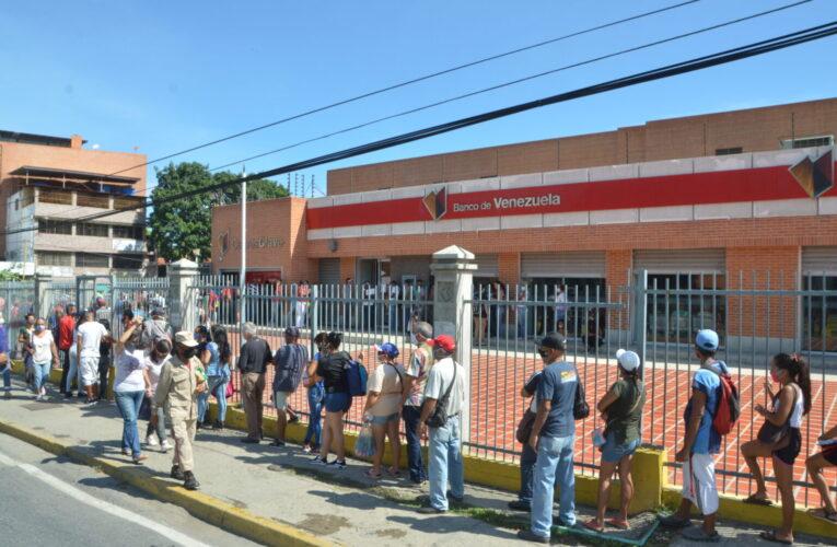 El Banco de Venezuela dispensó Bs. 400 mil por taquilla
