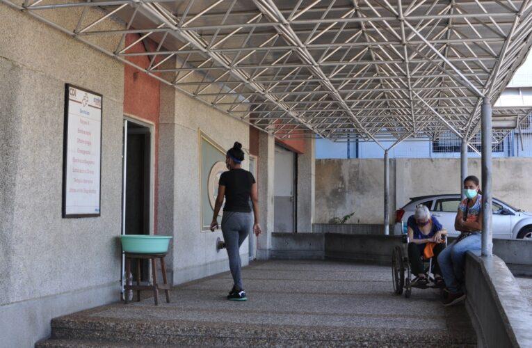 Solo emergencia y pacientes Covid atienden en el CDI de El Mosquero