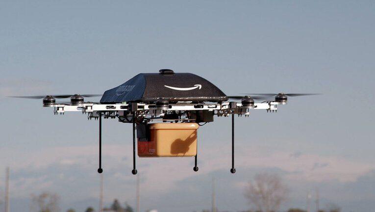 EEUU autoriza a Amazon a usar drones para entregar paquetes