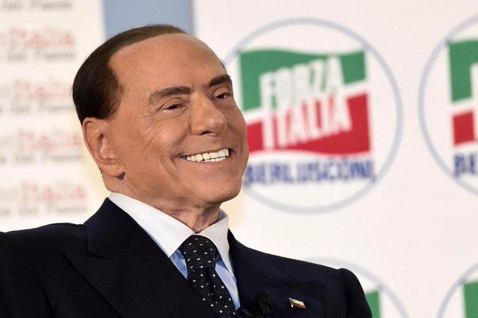 Berlusconi permanece estable tras contagio de Covid