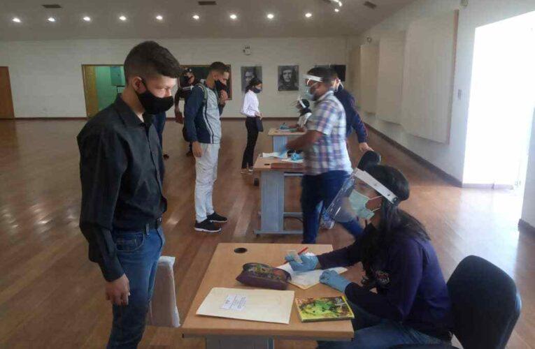 UNES inicia período académico a distancia en todo el país