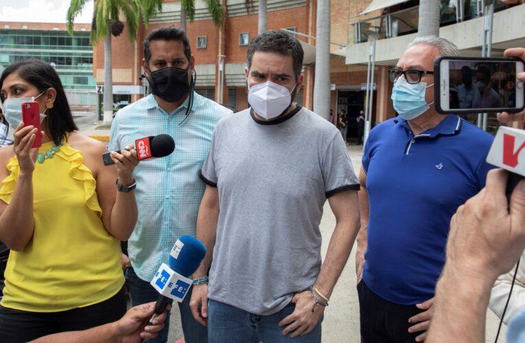 Liberan a asesor de Guaidó y al periodista Nicmer Evans