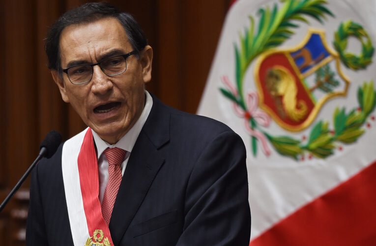 Congreso peruano rechaza destitución del presidente Vizcarra
