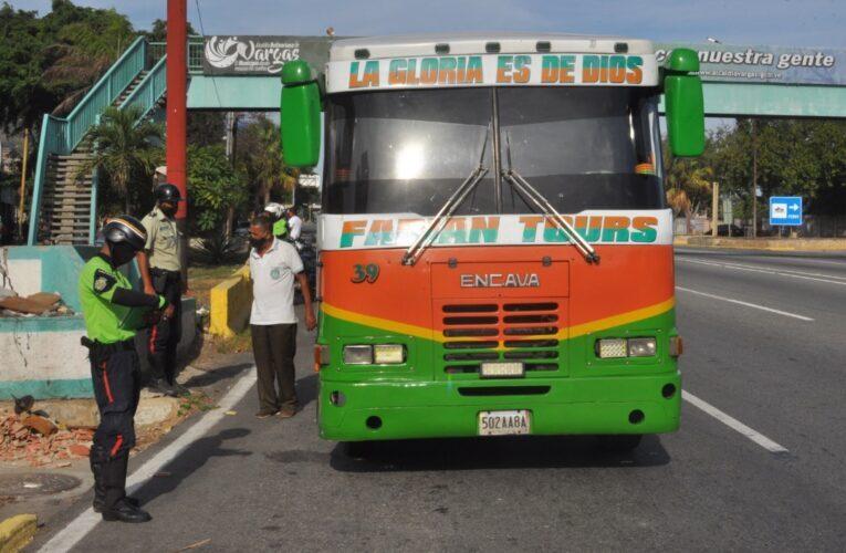 Chequean cobro de pasaje y bioseguridad en la Caracas- La Guaira