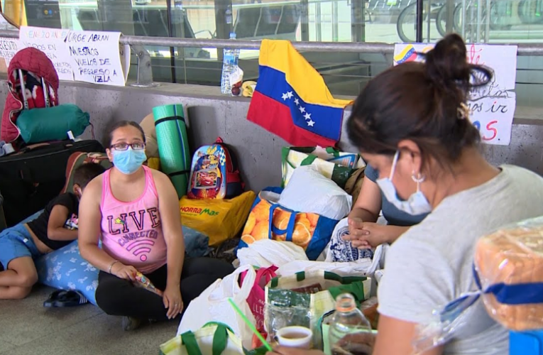 Suspenden vuelos con venezolanos desde Panamá