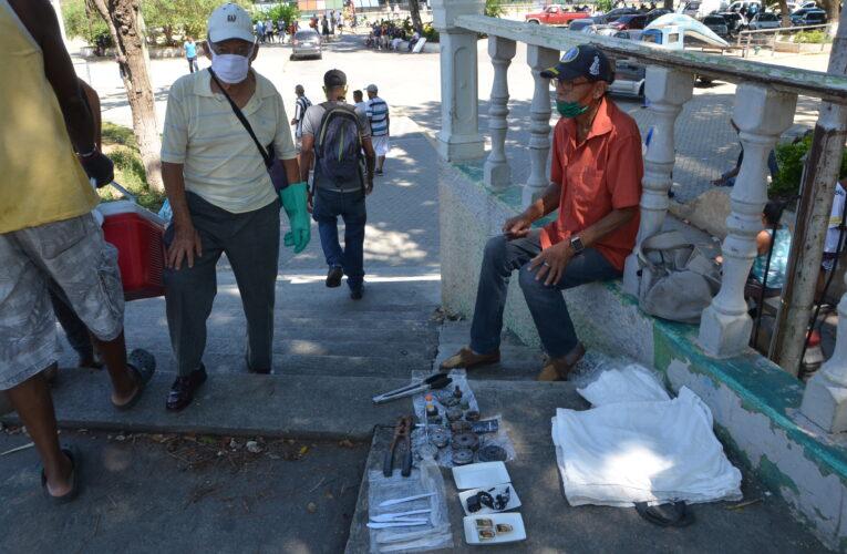 Vendedores ambulantes prefieren que les paguen con trueque