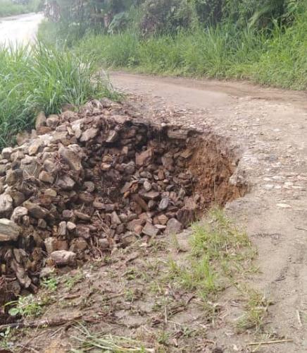 Vias agrícolas de Carayaca colapsan por lluvias