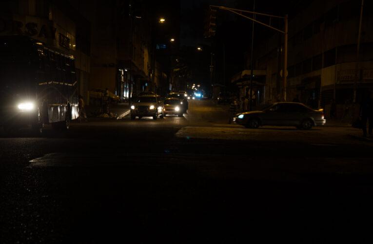 Bajón de luz en Caracas y 10 estados
