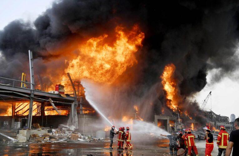 Incendio en el puerto de Beirut escenario de la explosión hace un mes