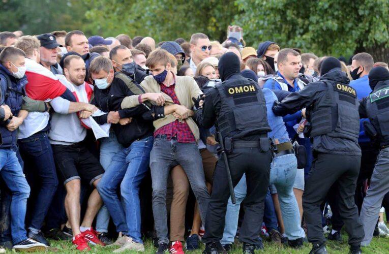 Al menos 200 manifestantes presos en Bielorrusia