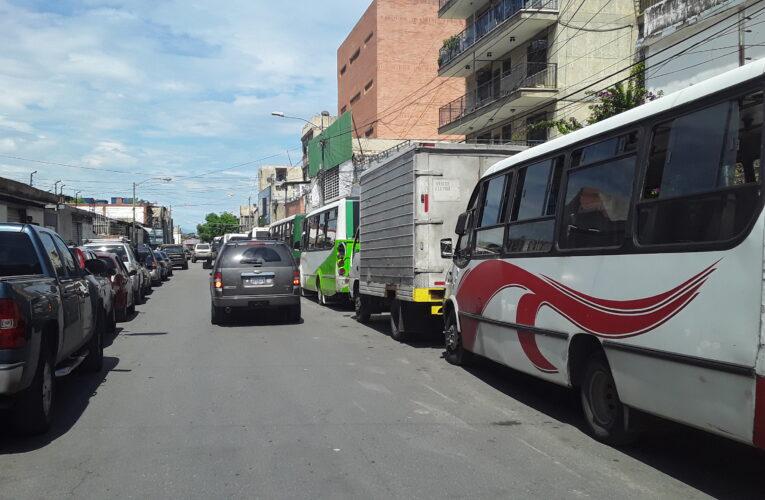 Más de 15 busetas estuvieron en cola por gasoil