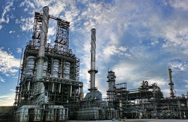 Bernal: Tenemos a los chinos e iraníes en algunas refinerías