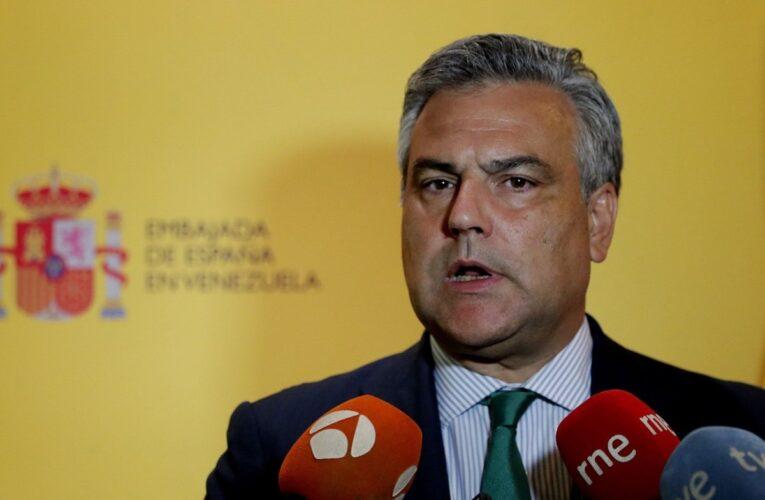 España destituyó a su embajador