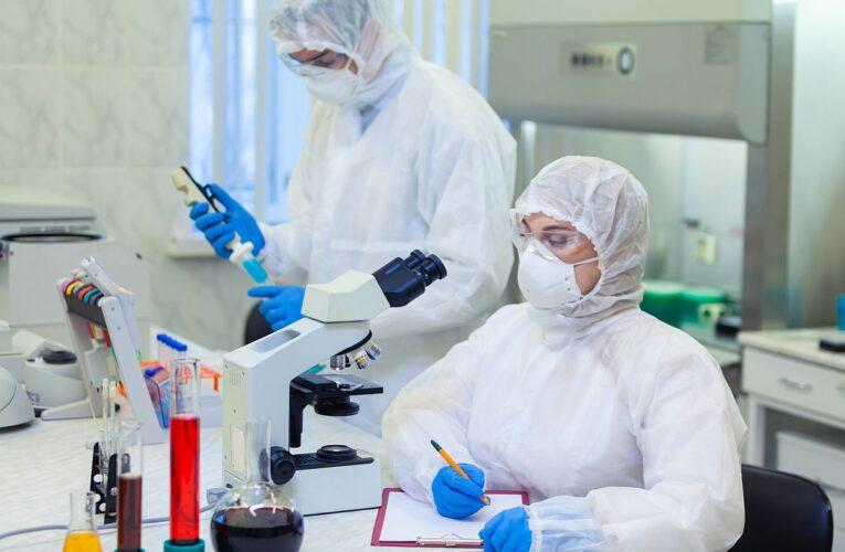 Pfizer pronostica que podría tener vacuna para el público antes de fin de año