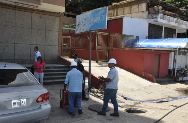 11 días sin luz en residencia J.A. Palmar