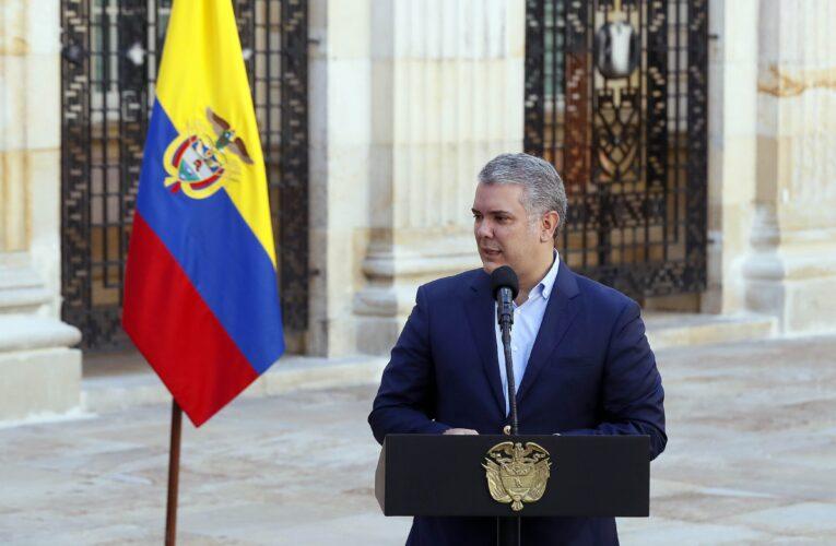 Colombia extiende aislamiento un mes más