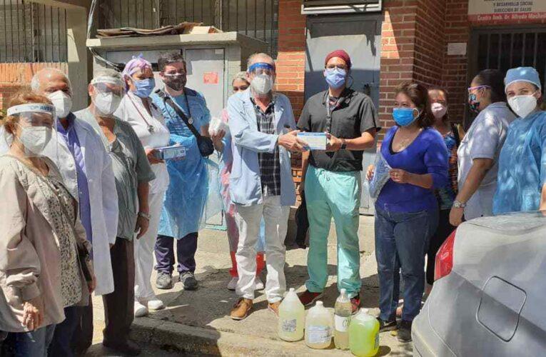 Médicos Unidos de Venezuela entregó material de bioseguridad en Catia la Mar