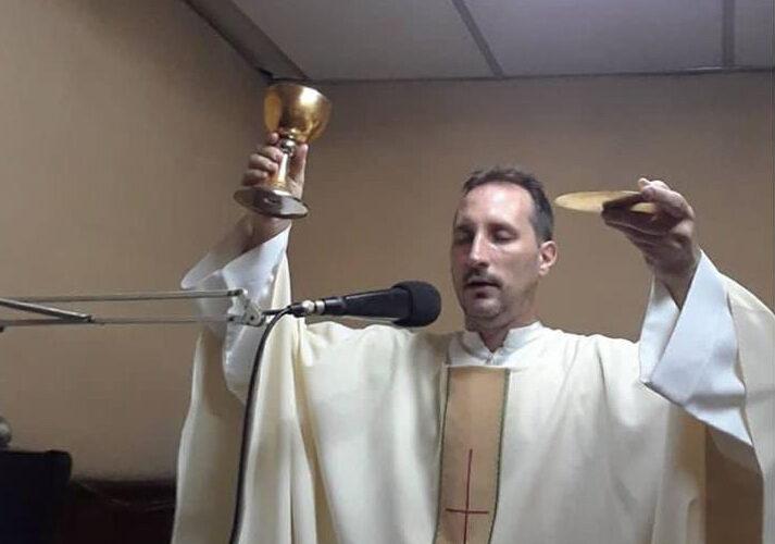 Matan a sacerdote para robarlo