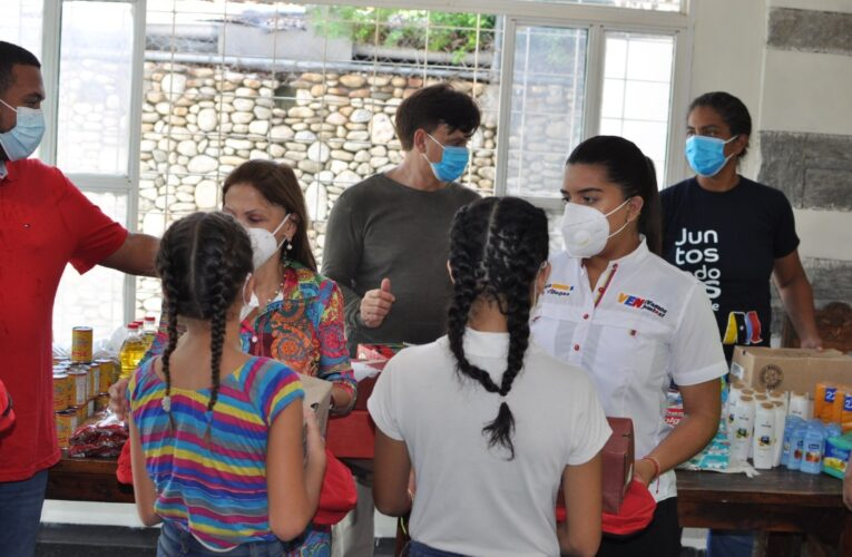 Llevan atención médica a la UPI Ukatira