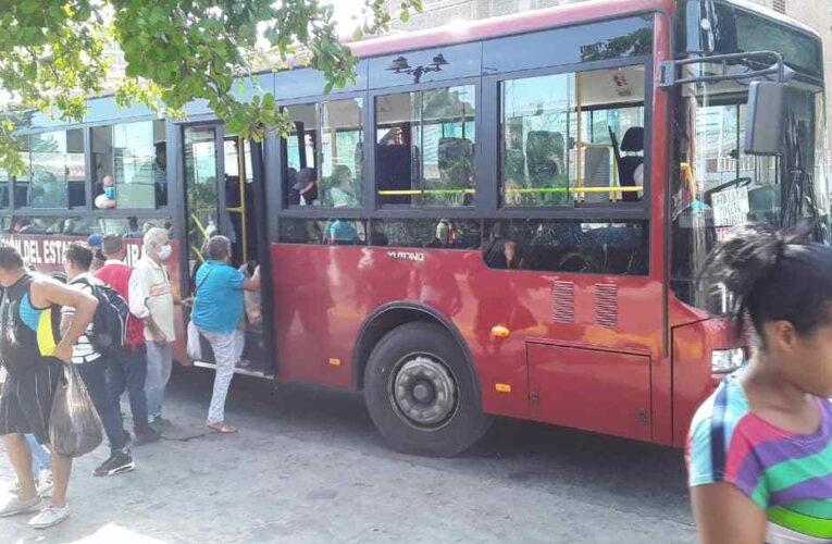 Autobuses rojitos aumentaron a Bs. 30 mil