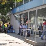 Los bancos se quedaron sin sistema para atender a sus clientes