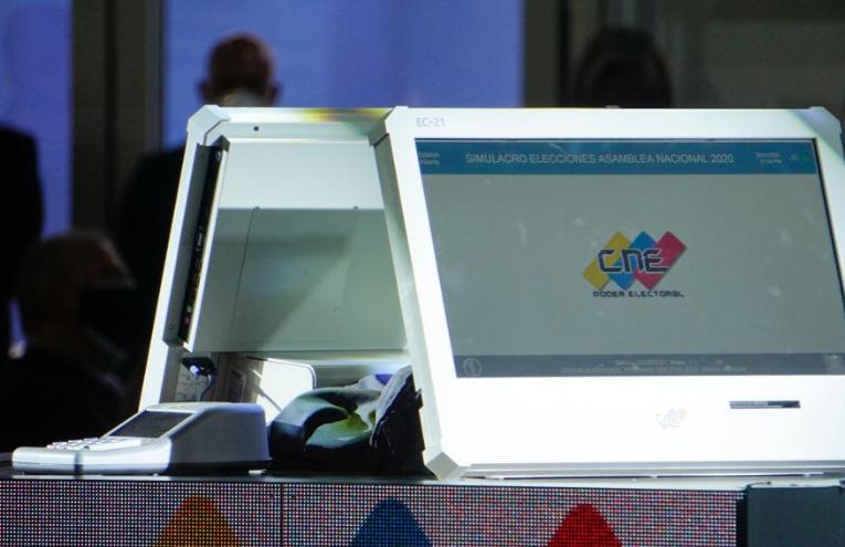 CNE presentó la nueva máquina de votación
