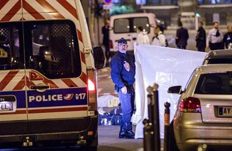 Terrorista decapita a maestro en Francia
