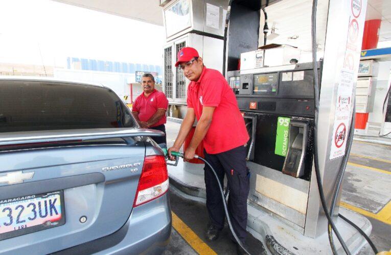 Maduro: Hay gasolina para 20 días