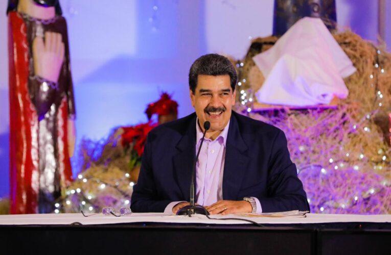 Maduro anuncia vuelos para diciembre y adelanta la Navidad