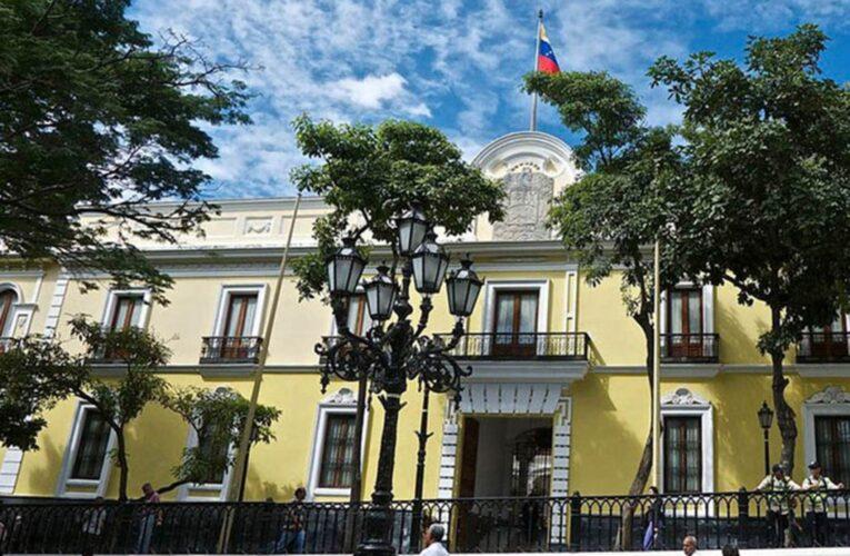 Maduro ordena cierre de la embajada en Guatemala