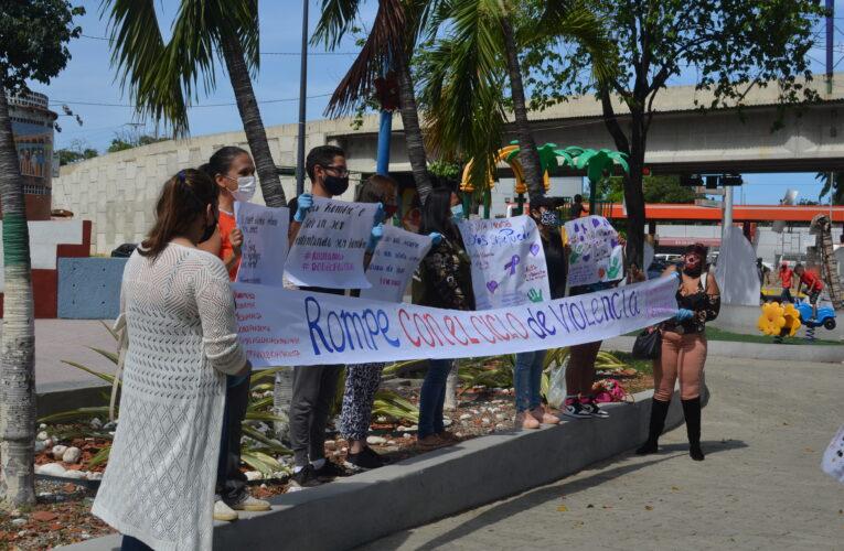 Activistas tomaron plaza El Cónsul en protesta contra la violencia de género