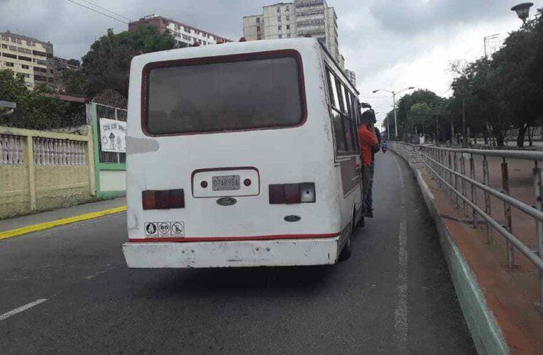 Buseteros anuncian caravana de protesta por gasolina