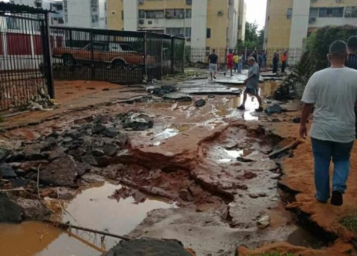 Fuerte aguacero inundó Maracaibo