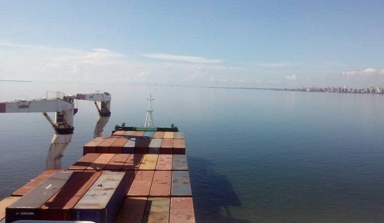 Llegaron 400 mil bolsas CLAP en el buque Manuel Gual