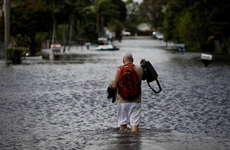 Eta golpea Florida y puede volverse huracán