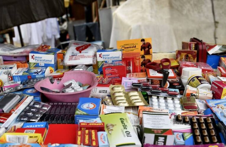Alertan sobre venta de medicinas sin permisos sanitarios