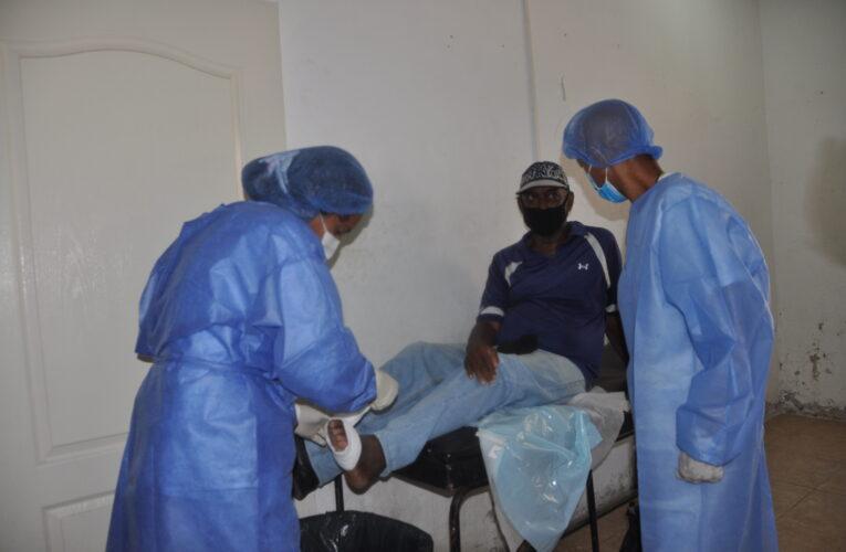 Pacientes de Pie Diabético de Macuto fueron atendidos en jornada integral